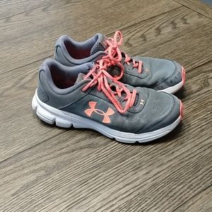 Under Armour Girls Size 5Y Shoes